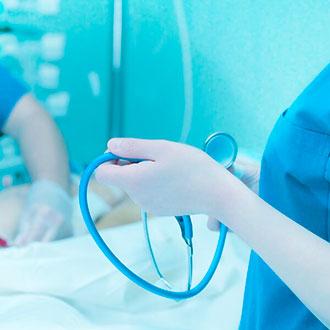 Curso Universitario de Especialización en Actualización en intervención de enfermería en situaciones de urgencia y emergencia online