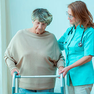 Experto en rehabilitación geriátrica online