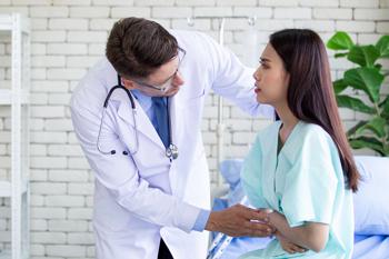 En casos leves, el riesgo de complicaciones es pequeño, por lo que el principal objetivo del tratamiento es mantener la función corporal y aliviar los síntomas mientras el páncreas se repara a sí mismo.